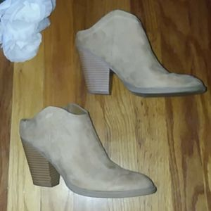 Dolce Vita Faux Suede Cowgirl Mules Size 6.5